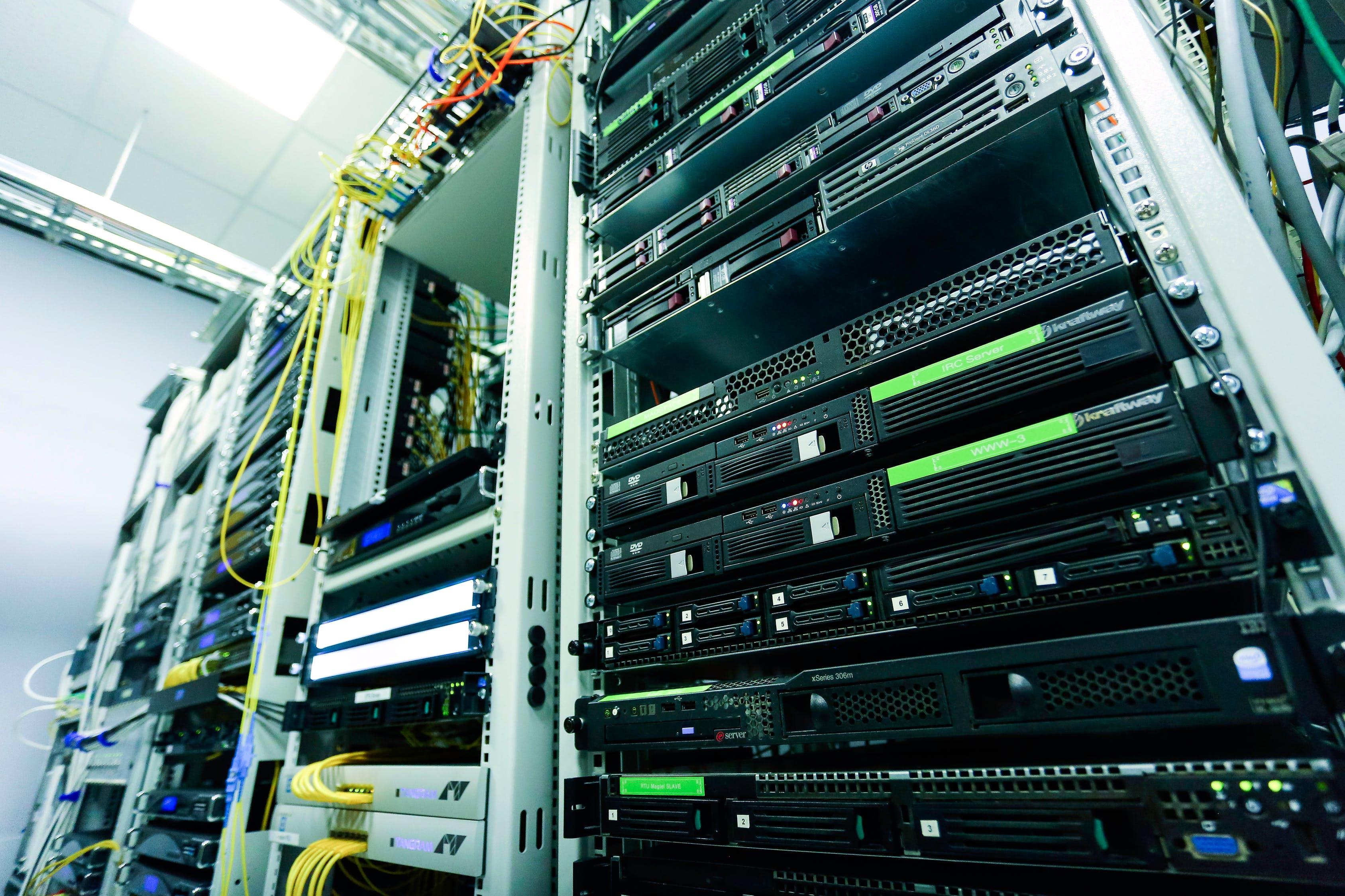 Data Warehouse vs Database